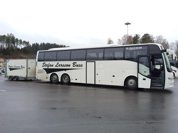 Bussen med släp